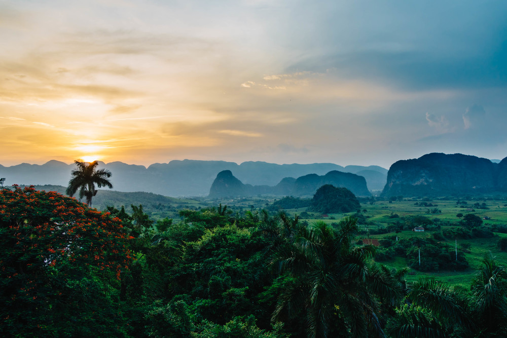 Viñales_Valley_Sunset_1.jpg