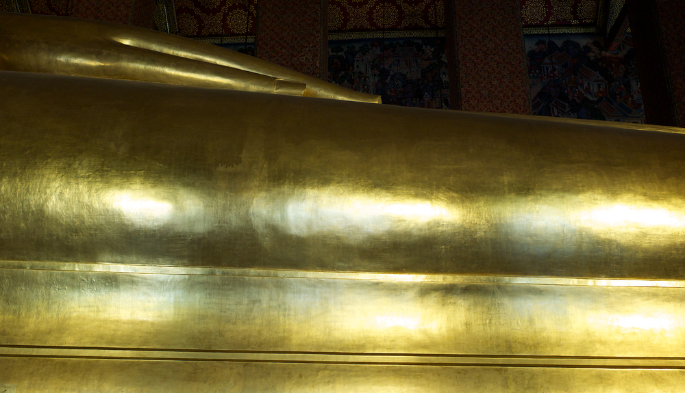 Wat Pho, Bangkok, Sleeping Buddha. Now that's what I'd call a gilding challenge.