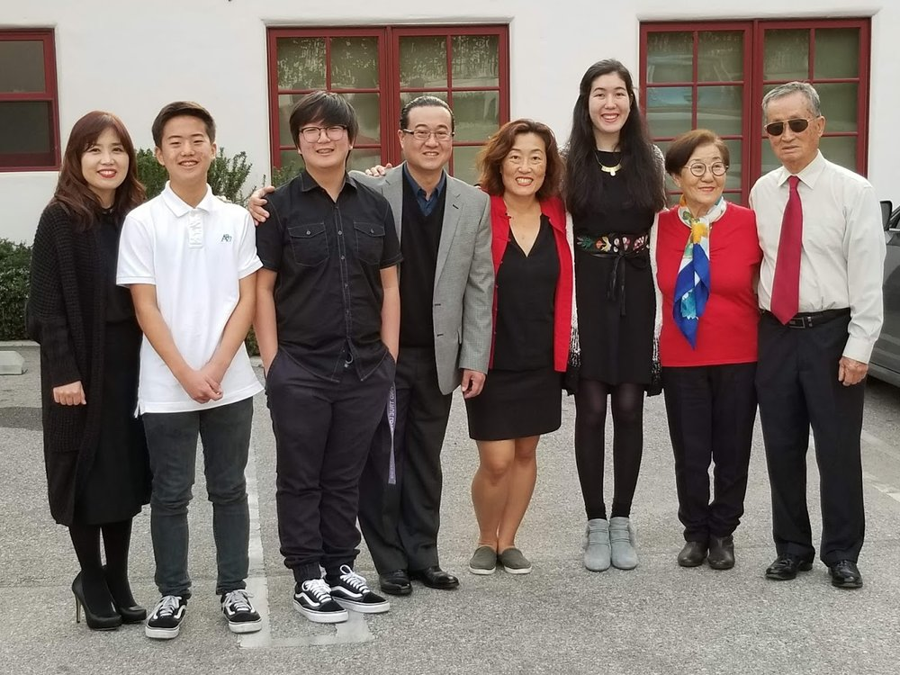 Peter Jeon Concert - Peter's entire family.jpg