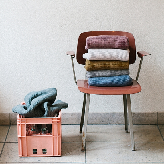 REPOSE AMS 100% LAMBSWOOL BLANKETS ARE A WONDERFUL GIFT AND A PERFECT NURSERY (OR ANY ROOM!) ACCESSORY