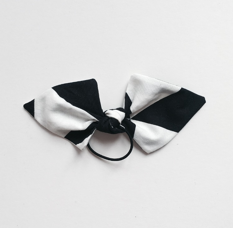 YOUNG DOUBLE BOWS