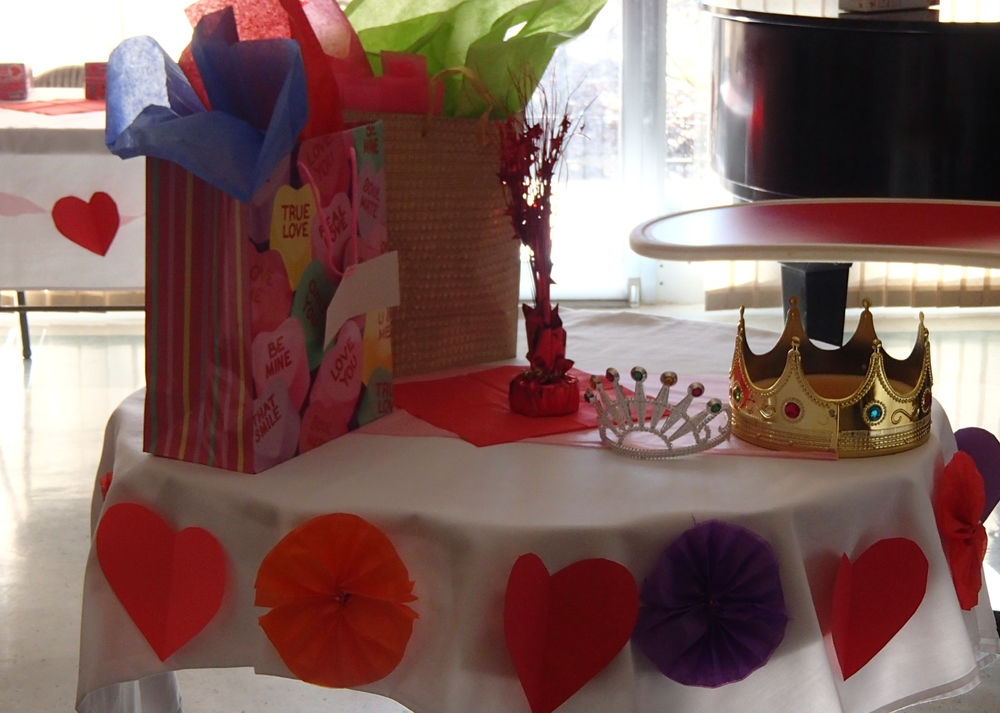 Crowns fit for the king and queen of Valentine's Day!