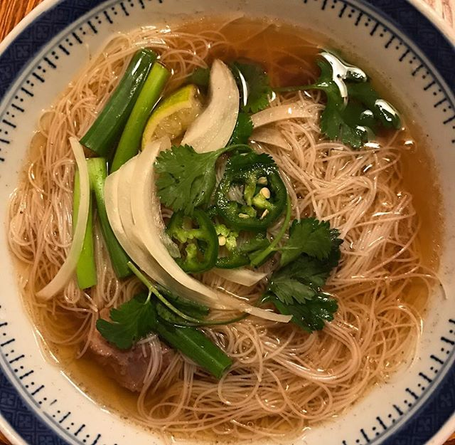 Need a change up from Thanksgiving leftovers...I braised beef shanks and made Pho #cheftony #elevatefood #100daysofcleaneating #chicagofoodpic #instapic #instafood #foodie #chicagofoodie #chicagofoodscene #foodpic #healthyeating #cleaneating #eatright #eathealthy #eatclean #dinner #🍴#nofilter #vietnamesepho #pho