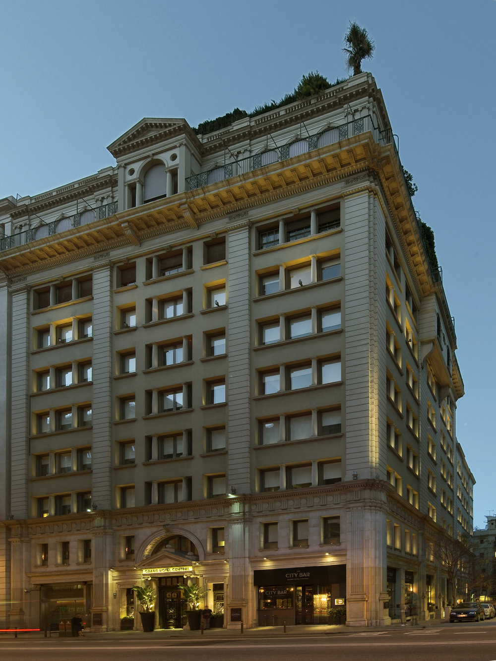Facade-at-night.jpg