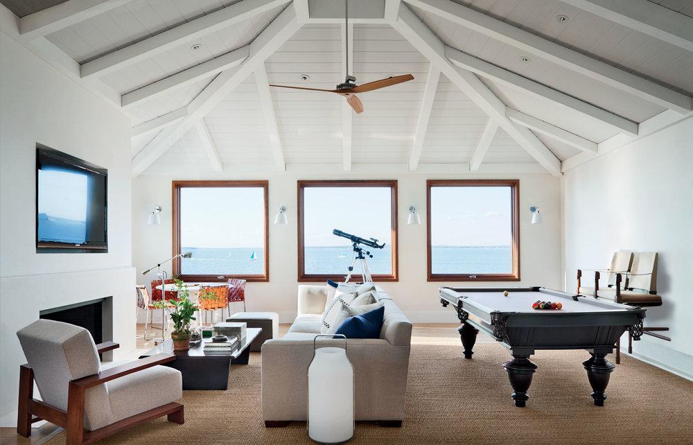 family-frendly-living-room-common-room.jpg