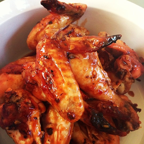 Fish sauce-lime-siracha wings, cooking at my sister's @organizedtourist #soupmama #chickenwings