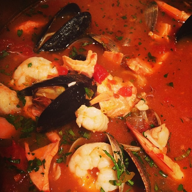 And sometimes I make cioppino 🍤🎣🍅🐠🐟🐙 #soupmama