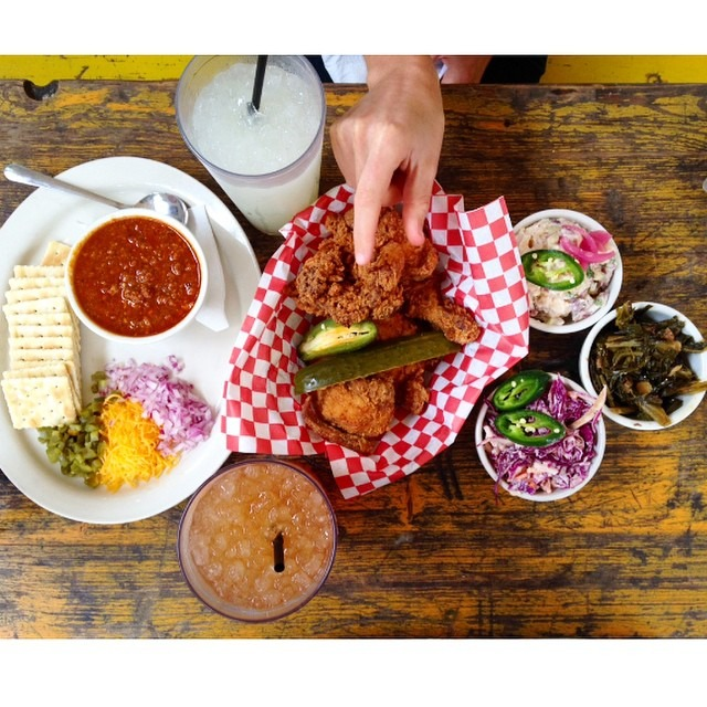 The best fried chicken! I can eat this everyday #lucys @hillarybenzell #friedchicken (at Lucy's Fried Chicken)