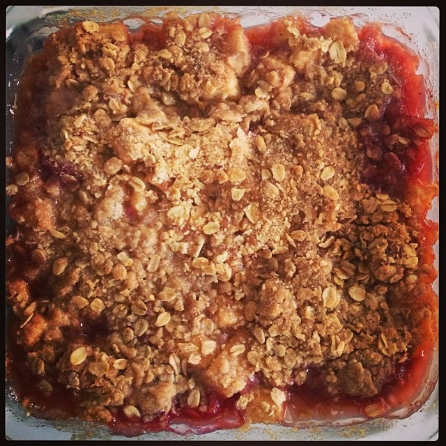 If Mel can bake, so can you! Pear-Raspberry Crisp #amateurbaker