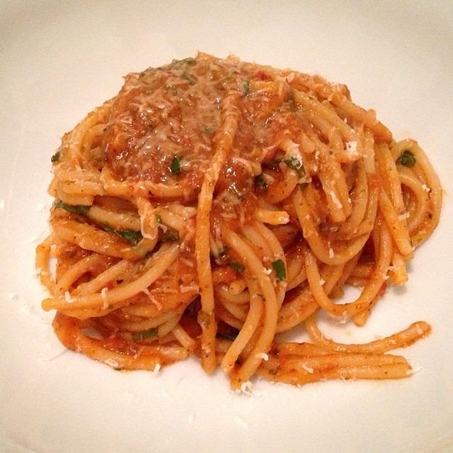 Nom nom. Nom nom. #spaghetti 🍝