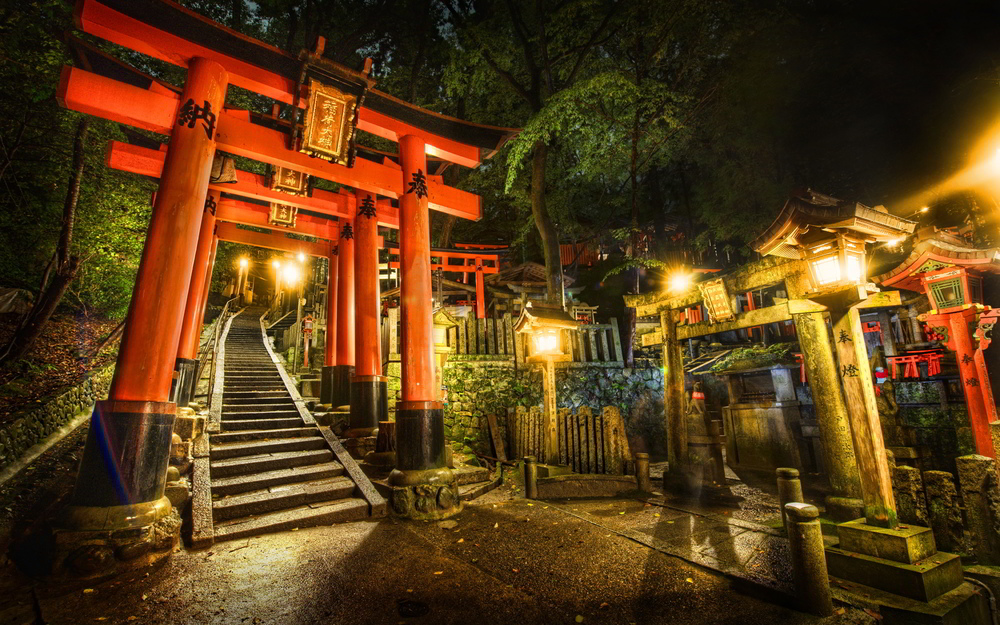 6917574-torii-gate-shrine-japan.jpg