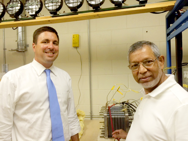 Dr. Mohammad Enayetullah demonstrates Trenergi's one kilowatt fuel cell to Matthew Beaton, Massachusetts Secretary of Energy and Environmental Affairs