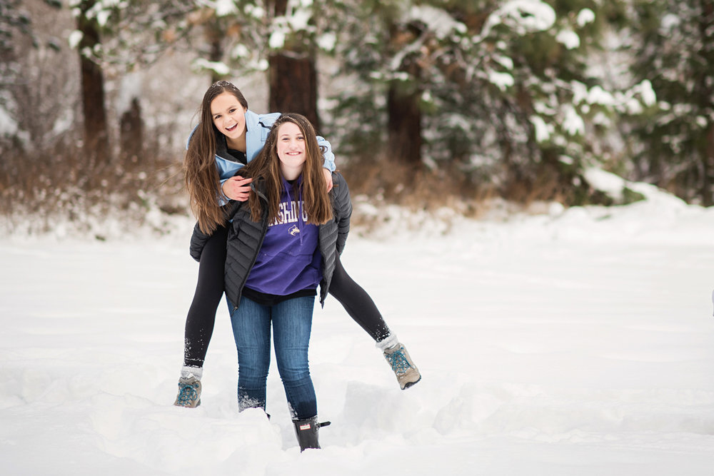 MaryVance - senior - girl - portrait - best - friends - sammamish - washington - photographer _8_Best Friends _7_SPCSHWinterRetreat0116_68.jpg