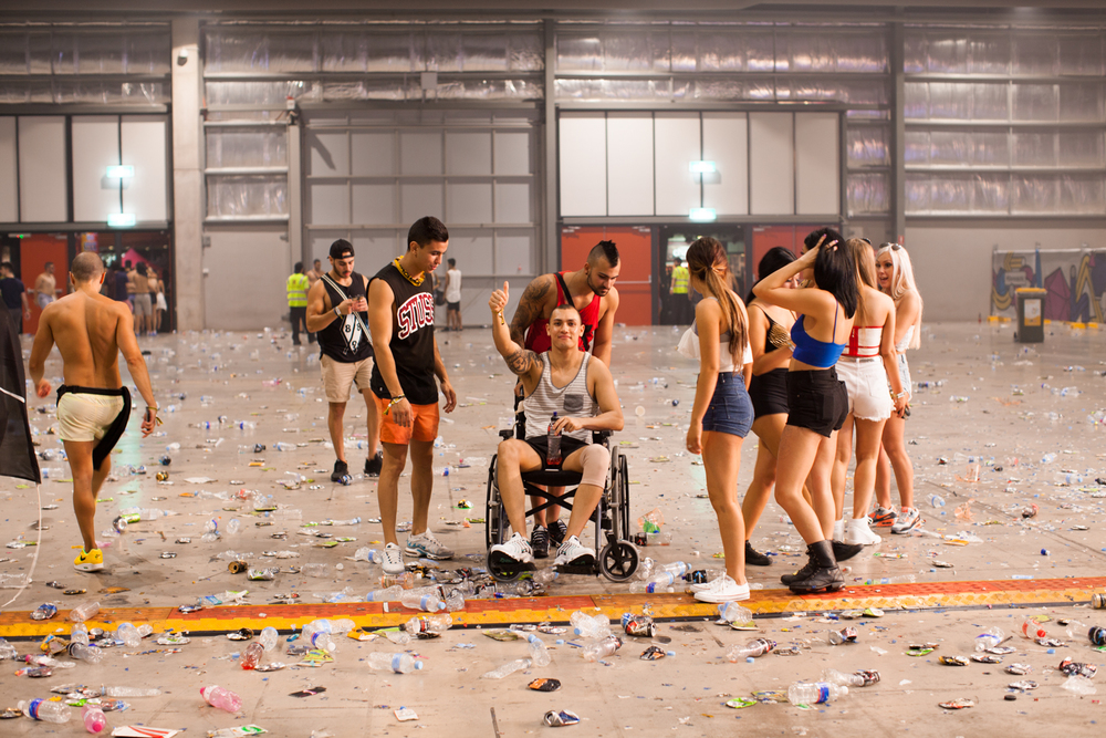 29.11.2014  Shot video at Stereosonic.  Wouldn't want to be the one cleaning this mess up.
