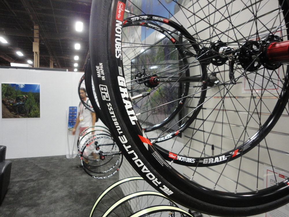 IRC Roadlite 28 on the Grail wheels from Stan's. With the wide rim the Roadlite looked to be more like +30mm.