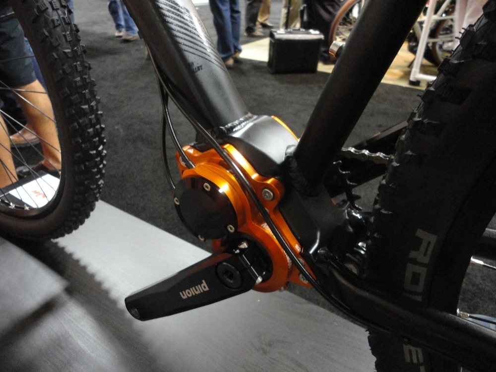 There was a few bikes at the show with gearboxes. We hope to see more development in this technology as time goes on. The sealed system seems like a perfect fit for bad weather adventure bikes (i.e. fatbikes), while offering a much more balanced weight distribution compared to IGH.