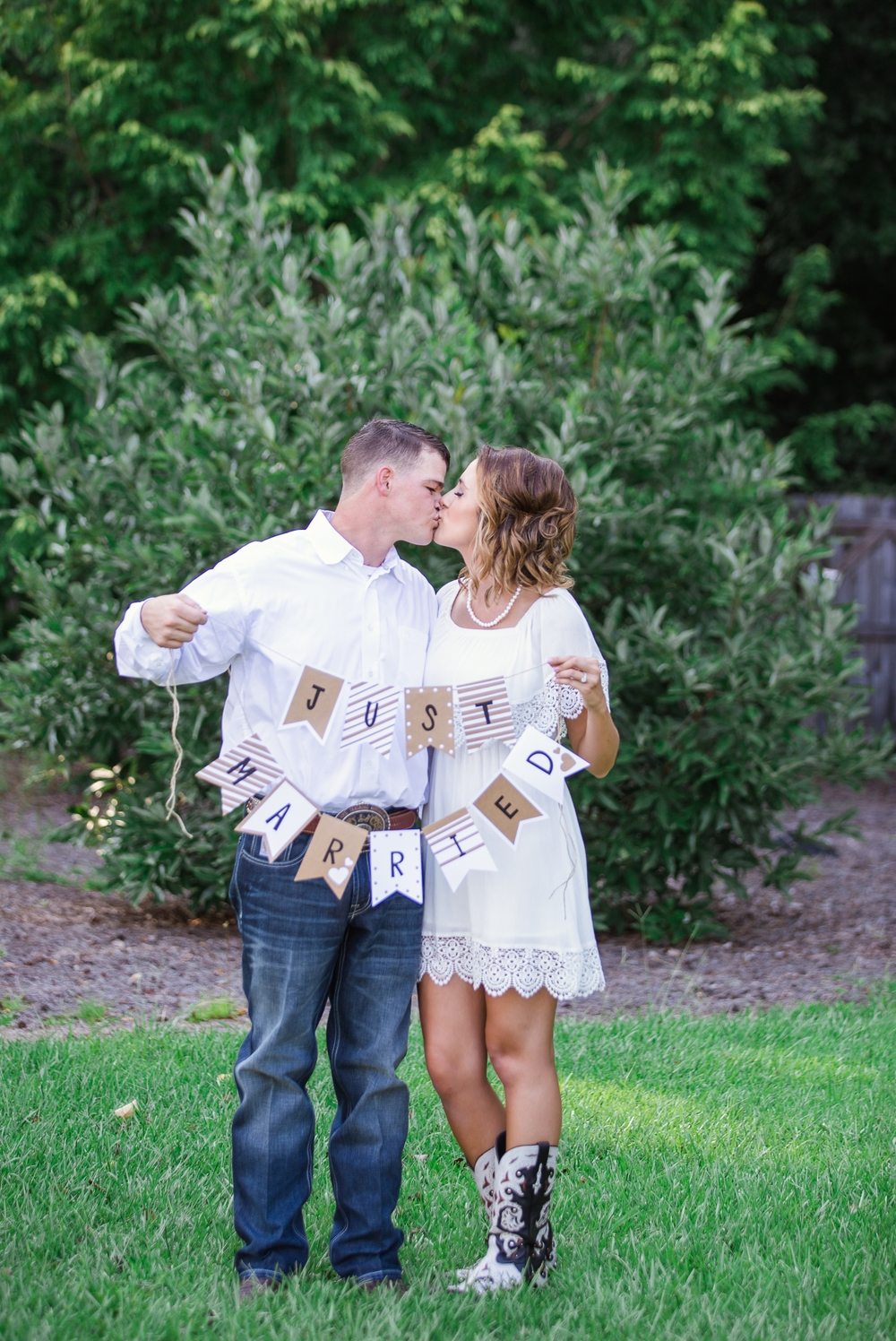 Southern Country Backyard Elopement - Fayetteville North Carolina Wedding Photographer - Johanna Dye Photography
