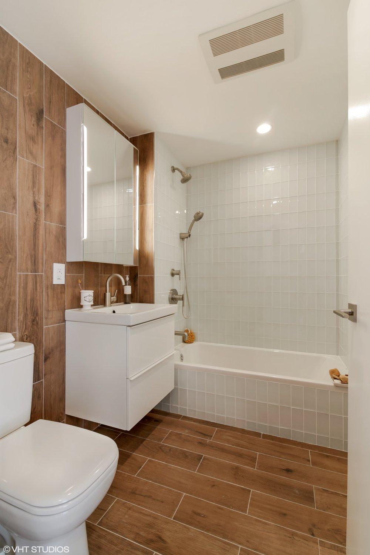 8_143MeseroleStreet_8_Bathroom_HiRes - Copy.jpg