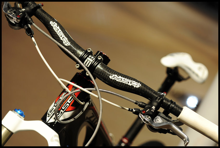 MSC Ultralight forged stem and Carbon bars. Lightweight and powerful Formula R1's.