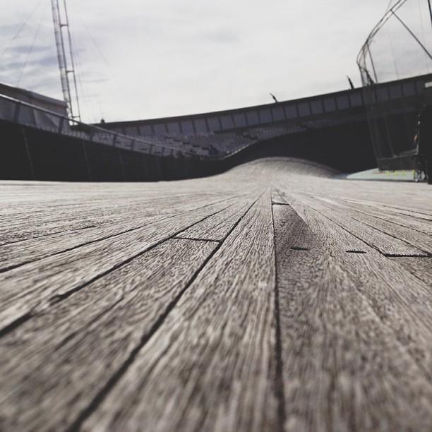 luckybasterds: Velodrome de Horta Barcelona #vscocam #trackcycling