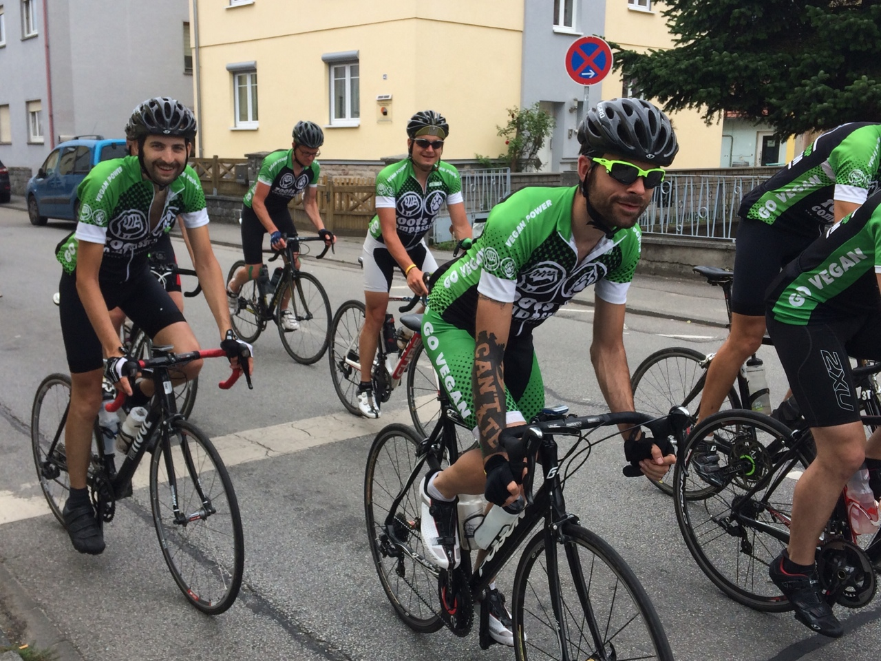 In case you see those guys, applaud them, they are about to finish their tour from Kiel to Konstanz tomorrow. 1000km in five days on a vegan diet. Next time someone asks about protein…   Respect guys!