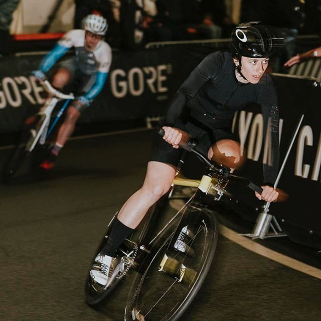 #beingfast #lookingchill @gomarrun and @bike_perle battling it out at #lastwomanstanding @radrace #racing #fixed #crit @teamschindelhauergates  #flashphotography #fixie #bikerace #skill #speed #fun #party