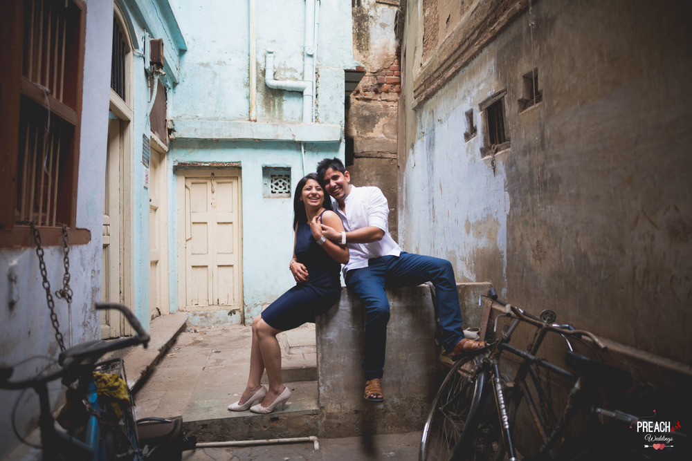 V&M_PRE-WEDDING SHOOT_AHMEDABAD OLD CITY_PREACH ART-17.jpg
