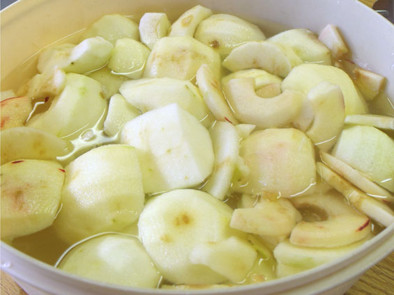 soaking-apples.jpg