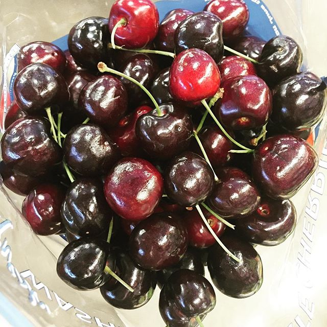 Northwest Cherries are top notch right now! 🍒