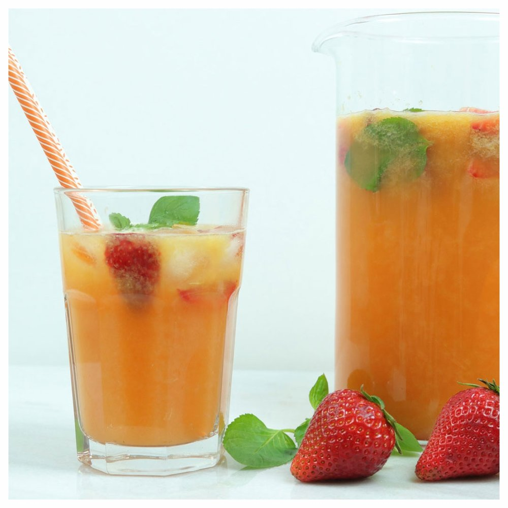 FB-C173-Χυμός-με-φράουλα-και-πορτοκάλι-IMG_7605_1Α.jpg