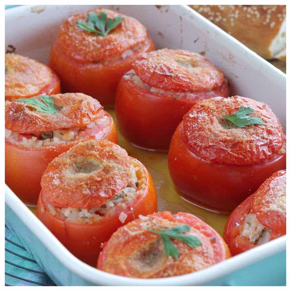 FB_Ε195-Ντομάτες-γεμιστές-με-τόνο_IMG_1291_1.jpg