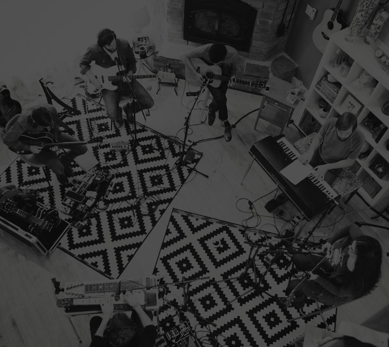 Live at home jonathan david melissa helser house bw2g stopboris Image collections