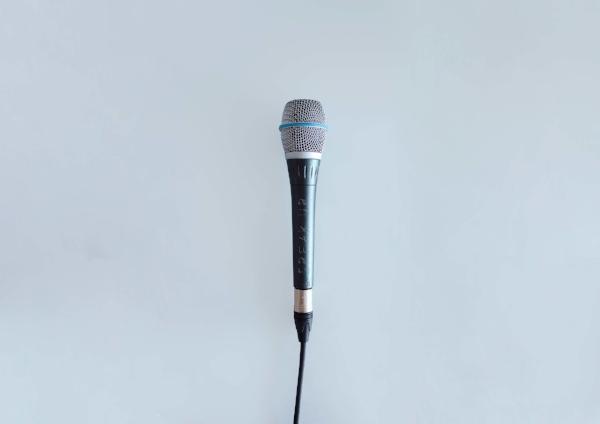 7%2F12 Social Media Marketing for Startups 6 - ToV Microphone.jpg