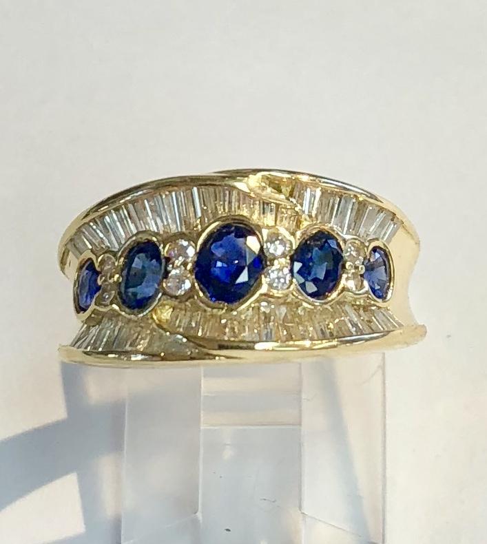18K Yellow Gold Blue Sapphire & Diamond Ring