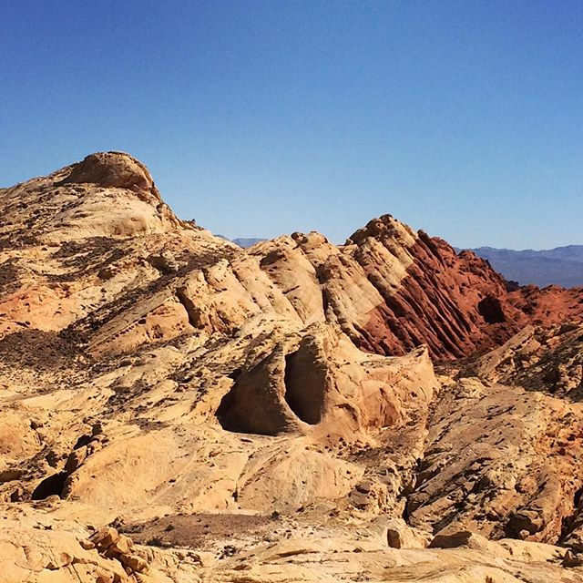 Valley of Fire... #nevada #desert #cave #valleyoffire #nature #west
