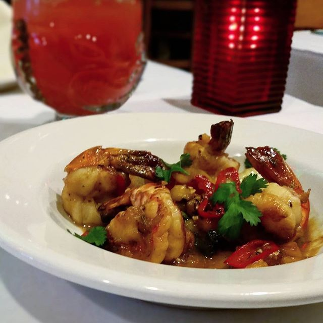 You can never go wrong with shrimp  #Shrimp#SeaFood#WickerPark#chicago#mexican#pineapple#Drinks#windycity#special