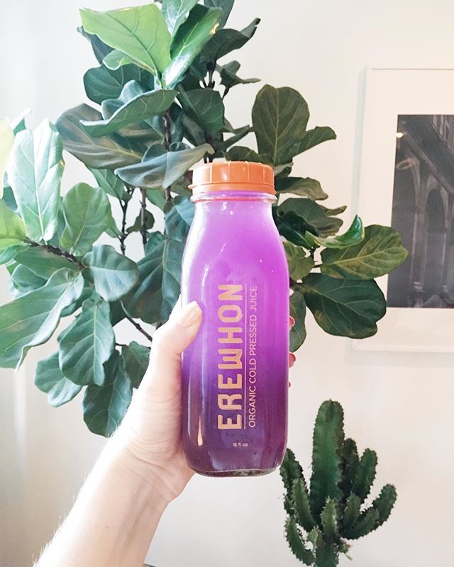 @erewhonmarket, you are after my heart. This lavender lemonade is 👌sweetened only with monkfruit and packed with trace minerals. 💜