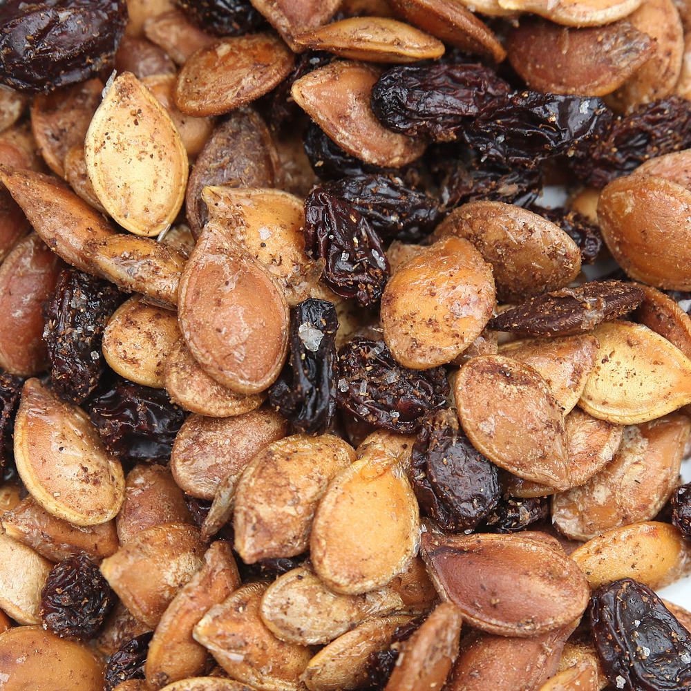 Halloween-pumpkin-seeds.jpg