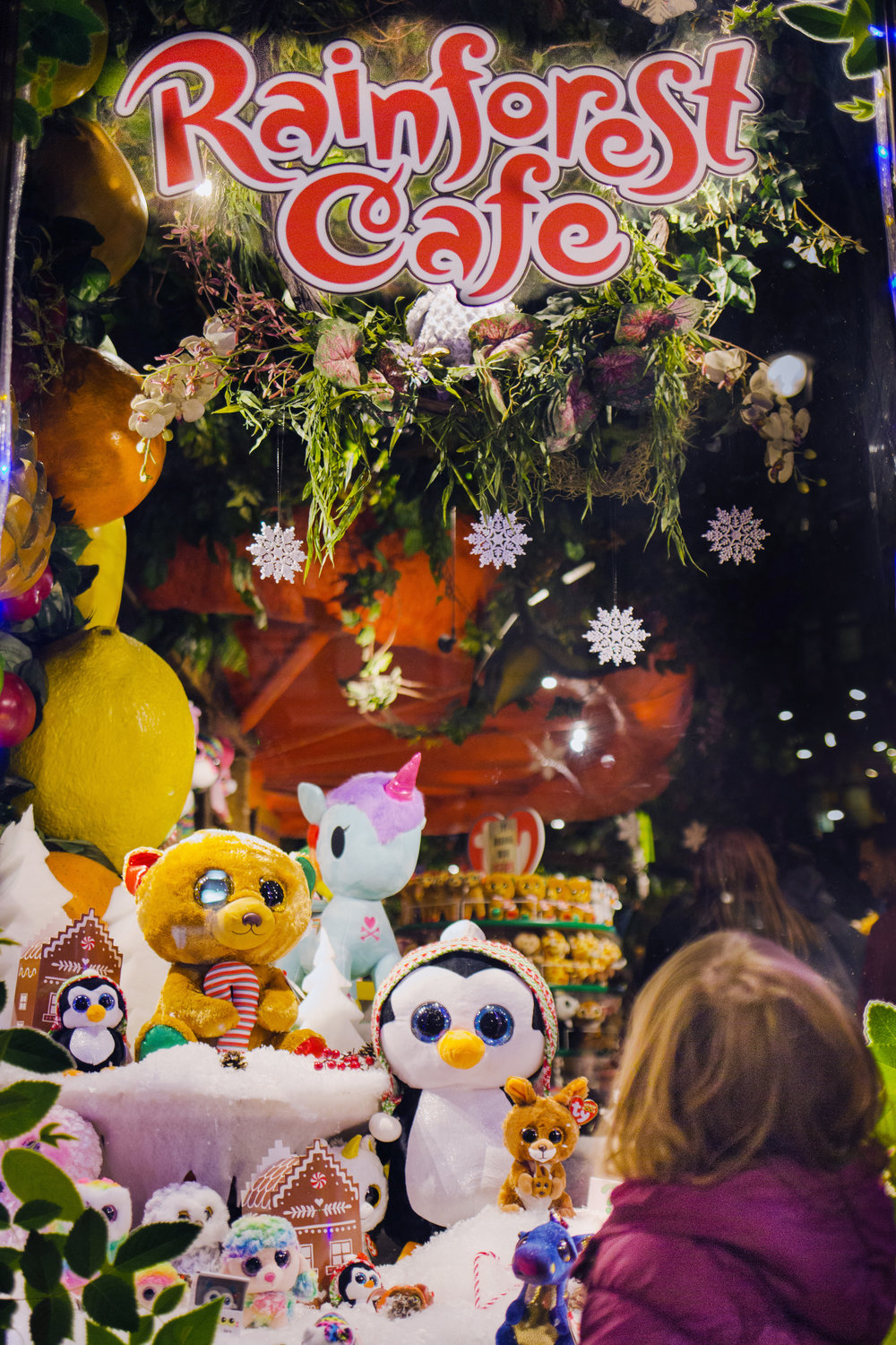 Katie-Collins-Rainforest-Cafe-16.jpg