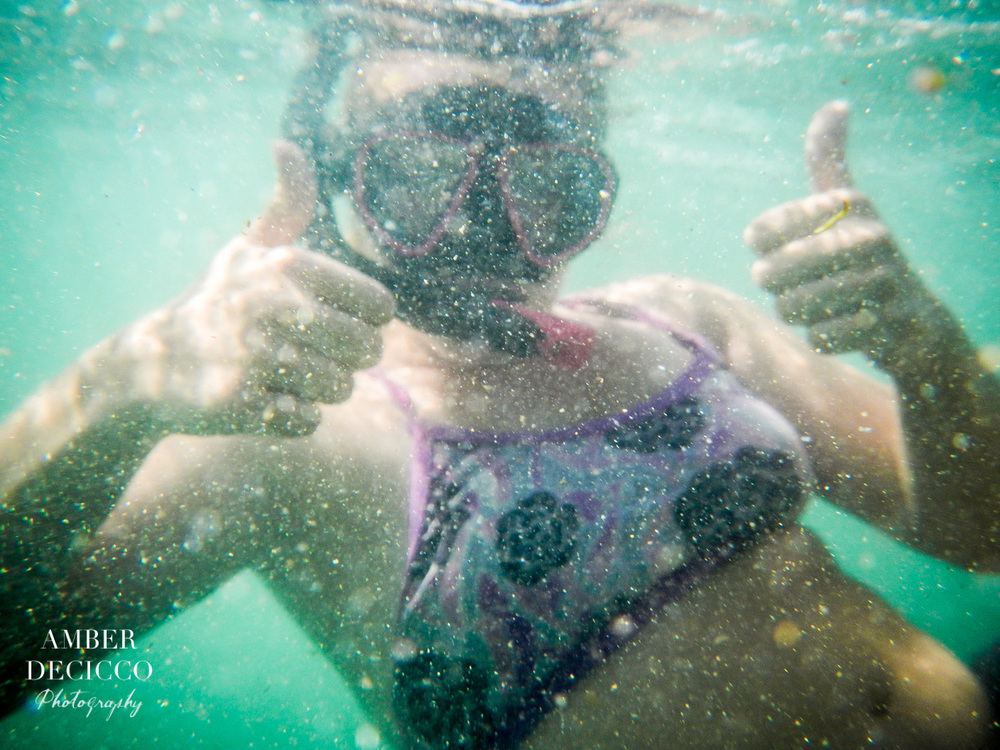 Obligatory underwater thumb up photo. ;)