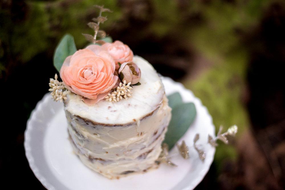 amberdeciccophotography-birthday-oneyear-cakesmash-19.jpg