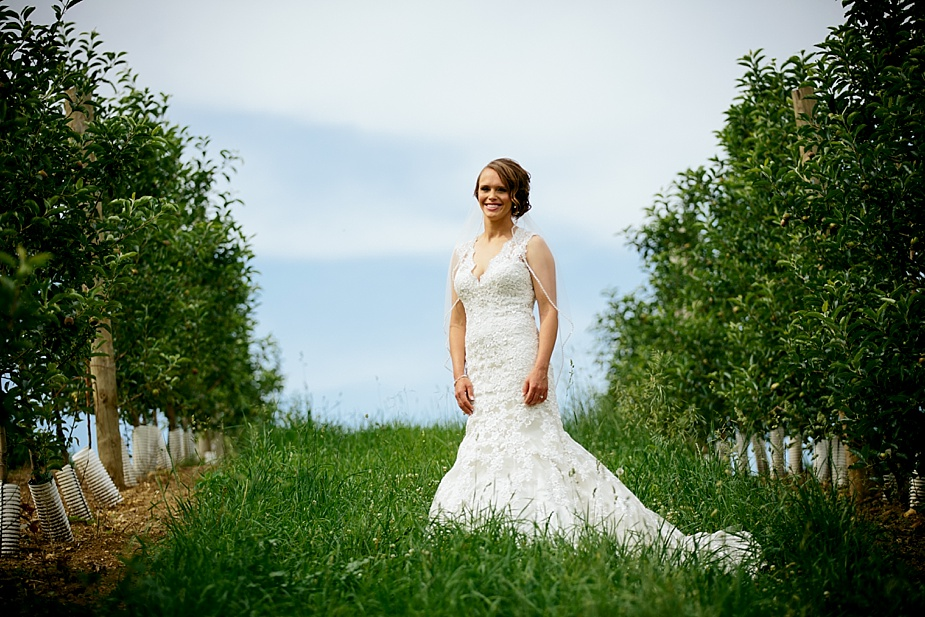 Marinacci_Kuipers-Farm-Rustic_Milwaukee-Wedding-Photographer_0027.jpg