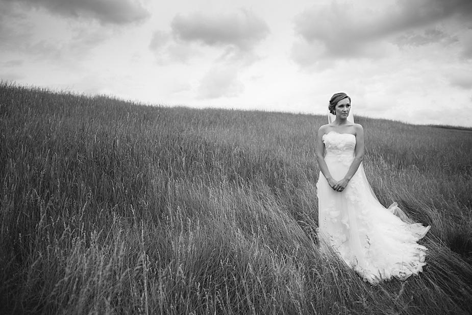 Alex+Becky-Lakeside-Backyard-Wedding_Milwaukee_Wedding_Photographer_0020.jpg