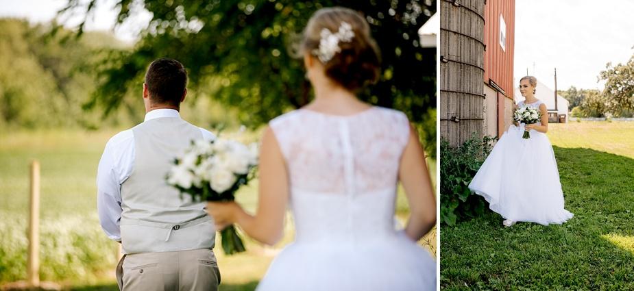 Taylor+Lauryn-Barn-Wedding-Milwaukee-Wedding-Photographer_0026.jpg
