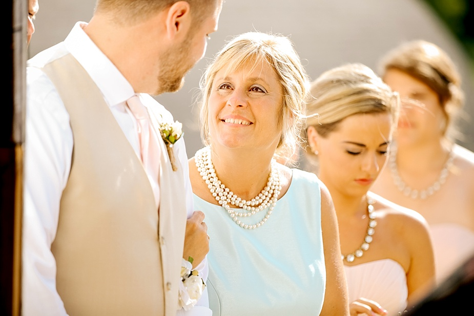 Taylor+Lauryn-Barn-Wedding-Milwaukee-Wedding-Photographer_0035.jpg