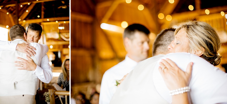 Taylor+Lauryn-Barn-Wedding-Milwaukee-Wedding-Photographer_0036.jpg