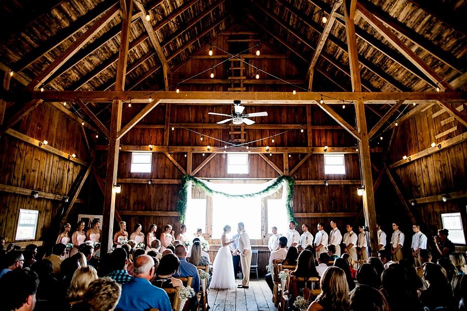 Taylor+Lauryn-Barn-Wedding-Milwaukee-Wedding-Photographer_0041.jpg