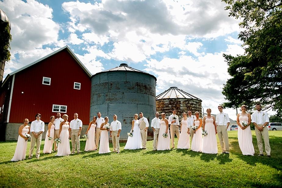 Taylor+Lauryn-Barn-Wedding-Milwaukee-Wedding-Photographer_0052.jpg