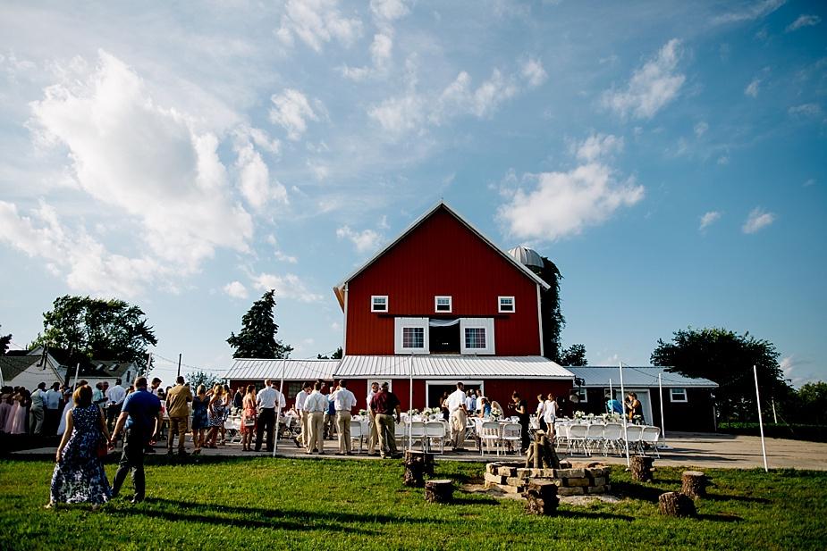 Taylor+Lauryn-Barn-Wedding-Milwaukee-Wedding-Photographer_0064.jpg