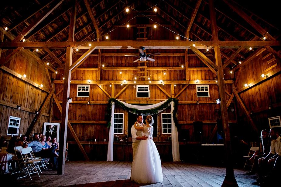 Taylor+Lauryn-Barn-Wedding-Milwaukee-Wedding-Photographer_0088.jpg